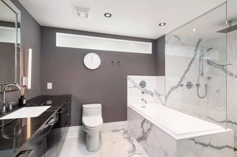 Ремонт совмещенной ванны с туалетом