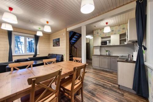 7rDYw1TfUgc - Строительство финского домика - коттеджный поселок