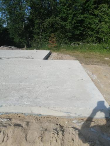 Фундамент: монолитная плита