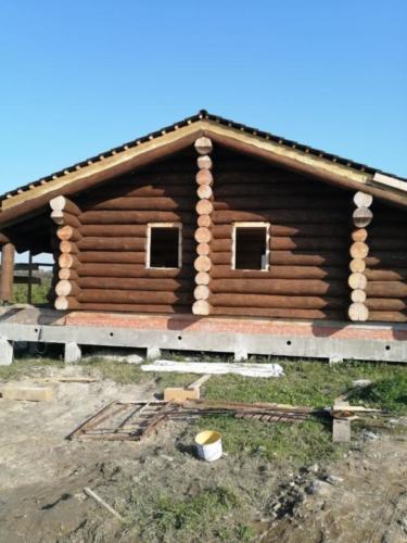 okr sr9 - Окрашивание сруба дома в Ленинградской области