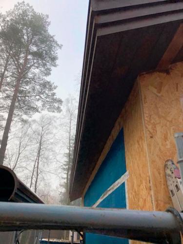 pris kar 250221 19 - Две каркасные пристройки с обеих сторон дома