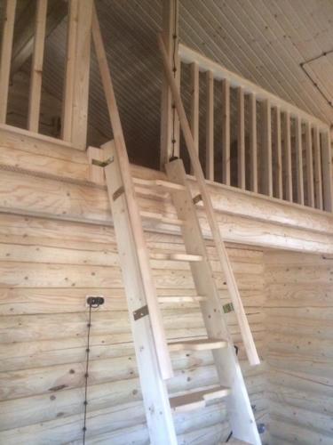 HSKZw6p73js - Сруб маленького уютного домика