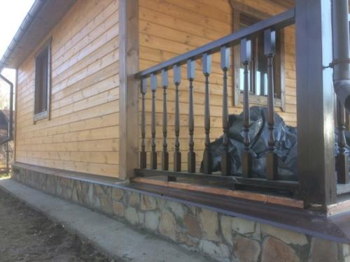 11 - Внешняя отделка имитатором бревна, утепление фасада, отделка цоколя и оконных рам